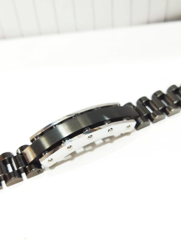 Design Your Own High Quality Bracelets Available in Gold Silver And Black Colors